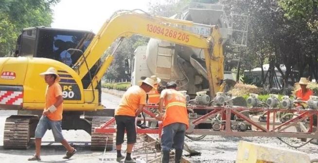 仙桃318国道黄金大道半幅道路封闭施工