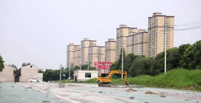 城区建设7座停车场,计划新增2000个车位