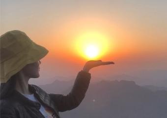 凌晨三点出发,我终于爬上武当山看日出