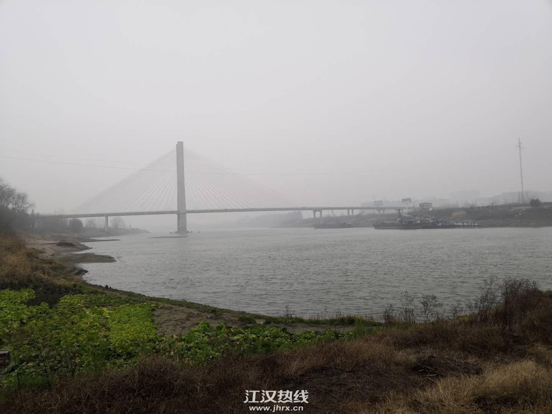 最美的就是故乡的水,故乡的桥。